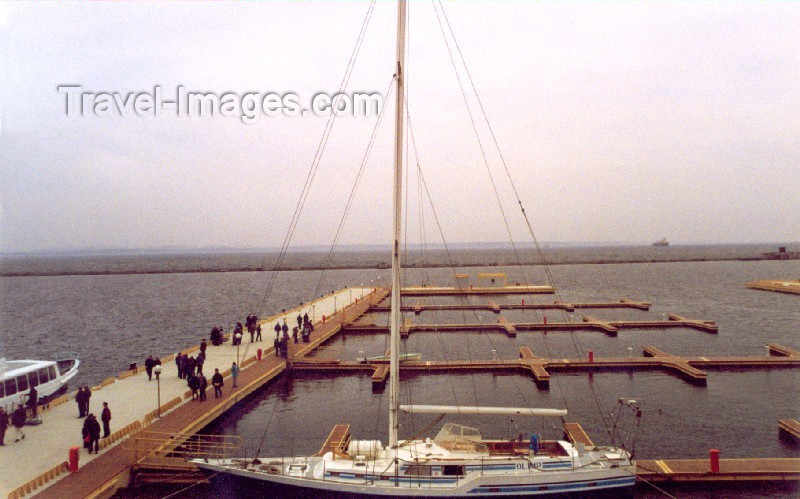 ukra18: Ukraine - Odessa / Odesa / ODS:  marina - where did all the yachts go? (photo by Nacho Cabana) - (c) Travel-Images.com - Stock Photography agency - Image Bank