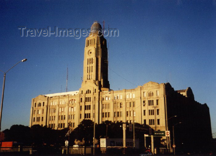uruguay1: Uruguay - Montevideo: harbour building (photo by M.Torres) - (c) Travel-Images.com - Stock Photography agency - Image Bank