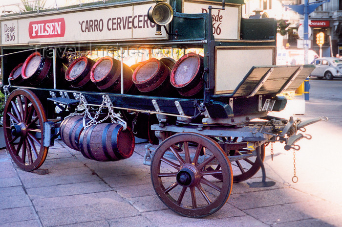 uruguay11: Uruguay - Montevideo: beer cart - Pilsen barrels - photo by M.Torres - (c) Travel-Images.com - Stock Photography agency - Image Bank