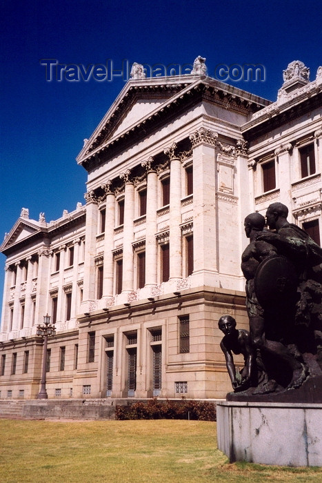 uruguay4: Uruguay - Montevideo: Parliament - façade (photo by M.Torres) - (c) Travel-Images.com - Stock Photography agency - Image Bank