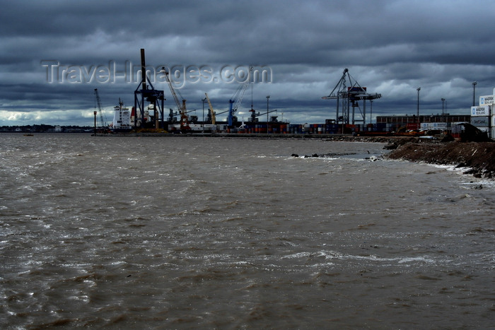uruguay43: Montevideo, Uruguay: dark sky over the port - Puerto de Montevideo - photo by A.Chang - (c) Travel-Images.com - Stock Photography agency - Image Bank