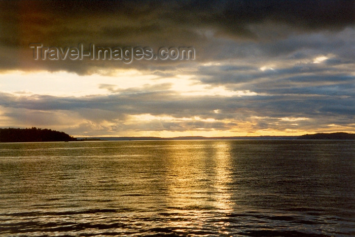 usa1: Seattle, Washington, USA: the ocean at sunset - photo by M.Torres - (c) Travel-Images.com - Stock Photography agency - Image Bank