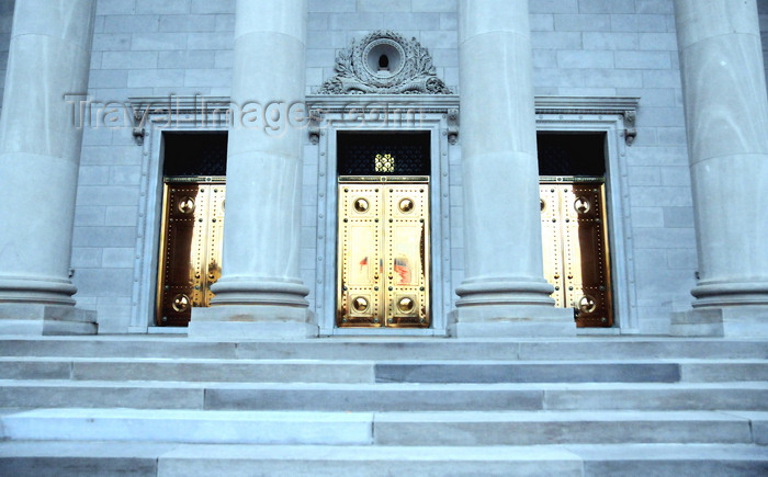 usa1008: Little Rock, Arkansas, USA: Arkansas State Capitol - limestone façade, the stone was quarried in Batesville, Arkansas - classical portico with bronze doors - photo by M.Torres - (c) Travel-Images.com - Stock Photography agency - Image Bank