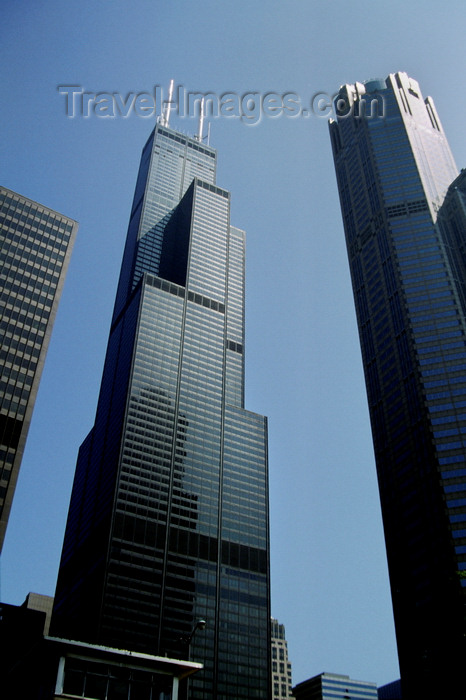 usa1085: Chicago, Illinois, USA: the Willis / Sears Tower by Skidmore, Owings and Merrill architets and 311 South Wacker Drive tower by Kohn Pederson Fox - photo by C.Lovell - (c) Travel-Images.com - Stock Photography agency - Image Bank