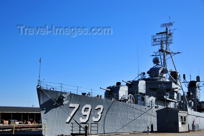 usa1157: Boston, Massachusetts, USA: Charlestown Navy Yard - Charlestown Navy Yard - USS Cassin Young DD-793, a Fletcher-class destroyer, now berthed and preserved as a memorial ship - photo by M.Torres - (c) Travel-Images.com - Stock Photography agency - Image Bank