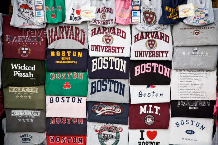 usa1230: Cambridge, Greater Boston, Massachusetts, USA: Boston Red Socks and Harvard University t-shirts for sale - photo by C.Lovell - (c) Travel-Images.com - Stock Photography agency - Image Bank