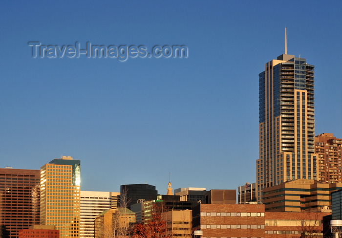 usa1369: Denver, Colorado, USA: skyline with the postmodern architecture of the Four Seasons Hotel Denver - photo by M.Torres - (c) Travel-Images.com - Stock Photography agency - Image Bank