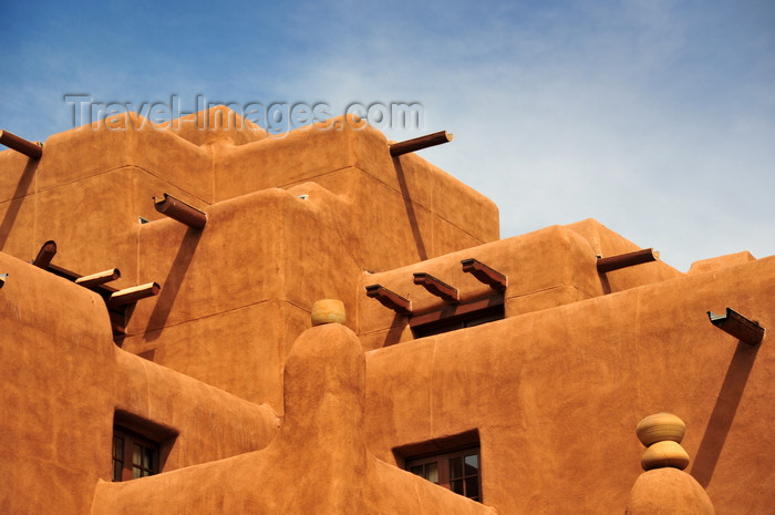 usa1568: Santa Fé, New Mexico, USA: terraces of the Inn and Spa at Loretto - revival Pueblo architecture - Old Santa Fé Trail - photo by M.Torres - (c) Travel-Images.com - Stock Photography agency - Image Bank