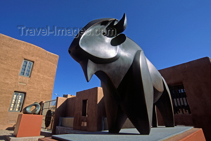 usa1577: Santa Fé, New Mexico, USA: sculpture garden with bronze buffalo by Allan Houser - Institute of American Indian Arts Museum - IAIA - photo by C.Lovell - (c) Travel-Images.com - Stock Photography agency - Image Bank