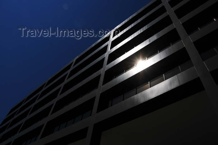 usa1733: Boise, Idaho, USA: Boise Plaza - sun reflection on the 11th street facade - 1111 W Jefferson St - photo by M.Torres - (c) Travel-Images.com - Stock Photography agency - Image Bank