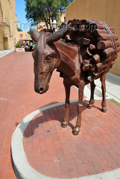 usa204: Santa Fé, New Mexico, USA: sculpture of a donkey carrying firewood by Charles Southard - Old Burro alley, next to the Lensic theater on San Francisco Street - photo by M.Torres - (c) Travel-Images.com - Stock Photography agency - Image Bank