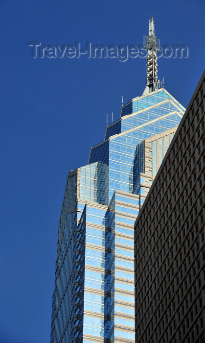 usa217: Philadelphia, Pennsylvania, USA: One Liberty Place - by Murphy / Jahn Architects, structure by Thornton Tomasetti - Market Street - photo by M.Torres - (c) Travel-Images.com - Stock Photography agency - Image Bank
