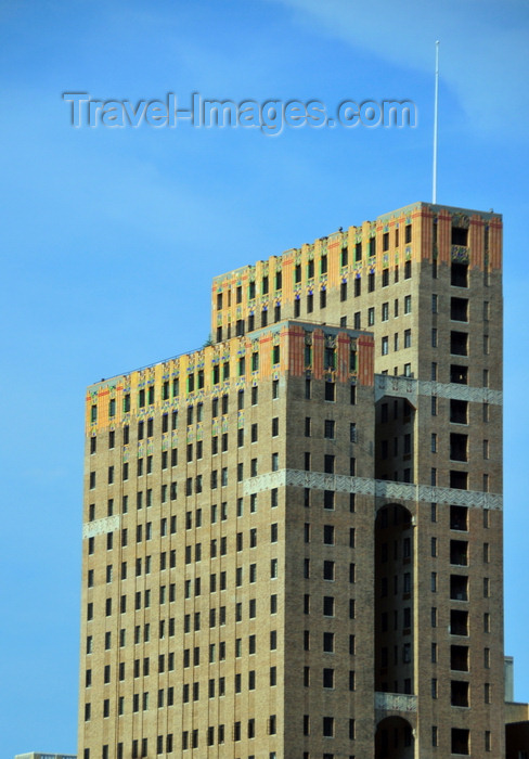 usa219: Philadelphia, Pennsylvania, USA: Metropolitan Building - designed by French architect Louis E. Jallade - art deco elegance at 117 N. 15th St. - photo by M.Torres - (c) Travel-Images.com - Stock Photography agency - Image Bank