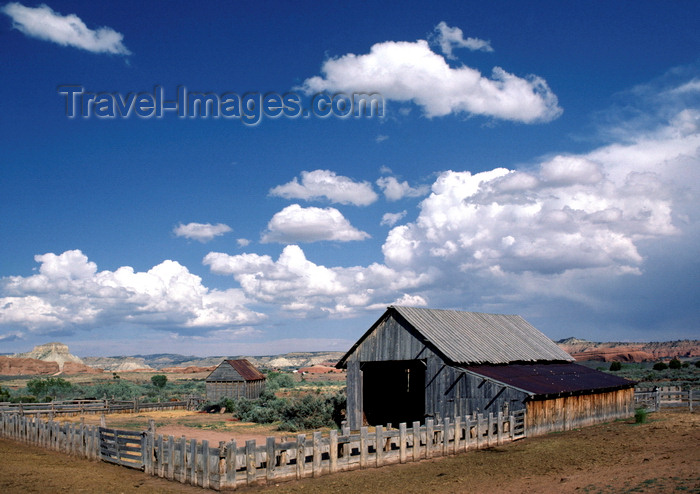 Countryside utah usa old ranch buildings and fence Usa countryside pictures