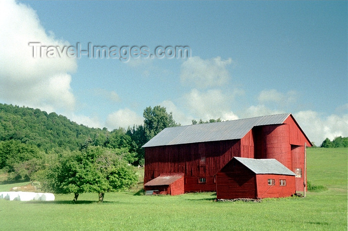 usa226: Pennsylvania, USA: farm scene - the barn - photo by J.Kaman - (c) Travel-Images.com - Stock Photography agency - Image Bank