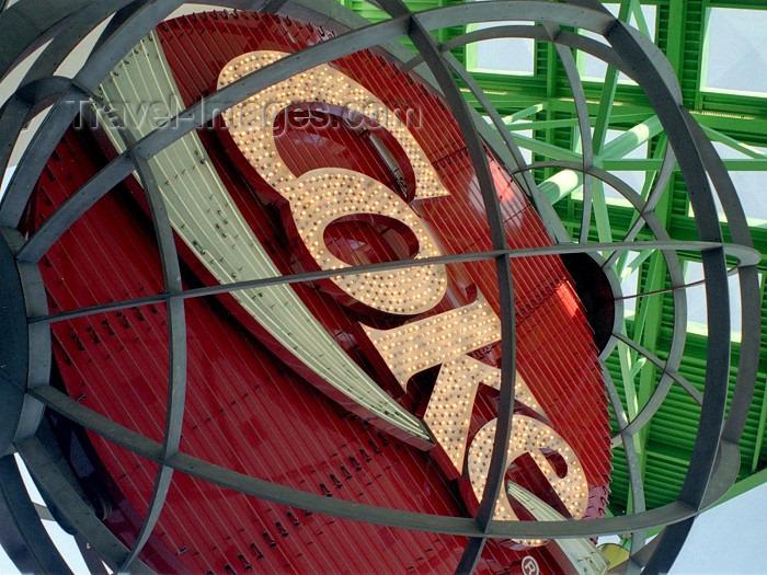 usa249: Atlanta (Georgia): the Coca Cola building - photo by M.Bergsma - (c) Travel-Images.com - Stock Photography agency - Image Bank