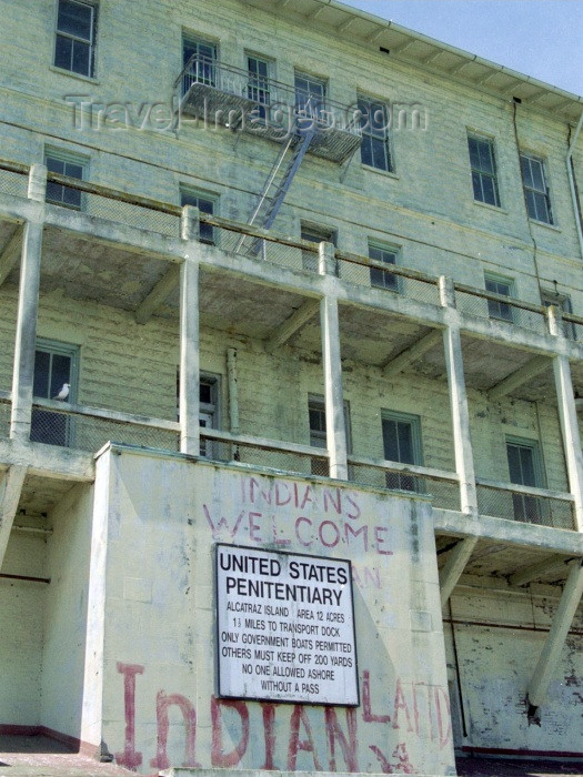 usa256: San Francisco (California): Alcatraz island - US penitentiary - welcome sign - photo by M.Bergsma - (c) Travel-Images.com - Stock Photography agency - Image Bank