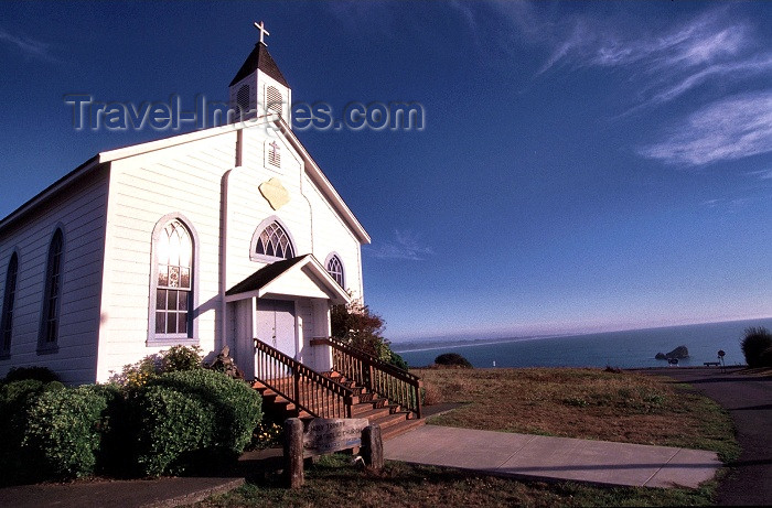 usa277: Trinidad (California): Holy Trinity Catholic church - Humboldt County - photo by F.Rigaud - (c) Travel-Images.com - Stock Photography agency - Image Bank