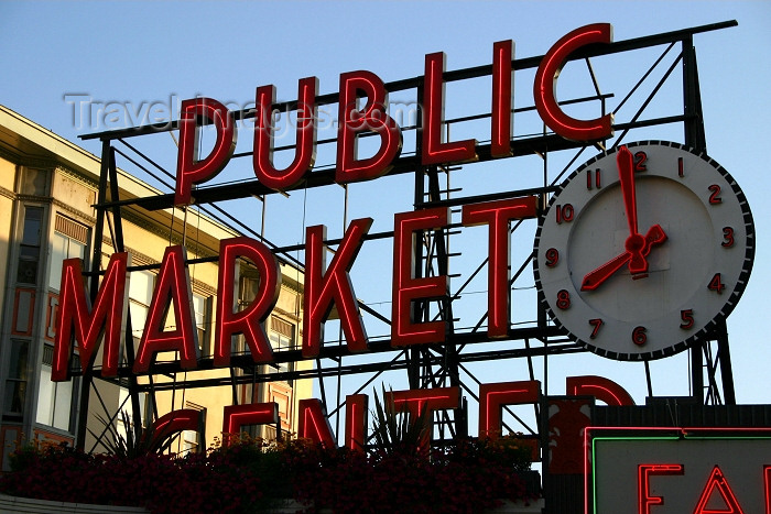usa337: Seattle, Washington, USA:  Pike's Peak Market - neon and clock - photo by R.Ziff - (c) Travel-Images.com - Stock Photography agency - Image Bank