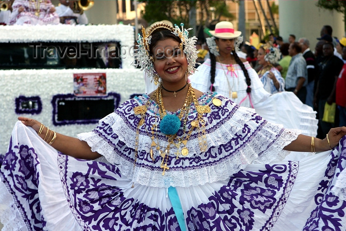 usa340: Miami (Florida): Panamanian dancer - Bay side South American Carnival (photo by Charlie Blam) - (c) Travel-Images.com - Stock Photography agency - Image Bank