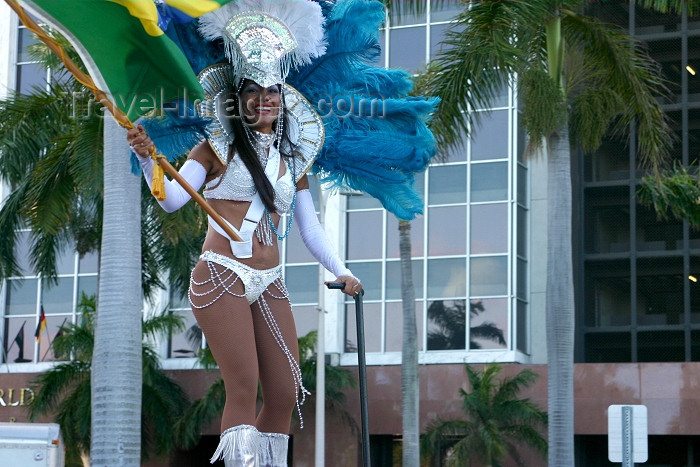 usa341: Miami (Florida): Brazilian dancer - Bay side South American Carnival (photo by Charlie Blam) - (c) Travel-Images.com - Stock Photography agency - Image Bank