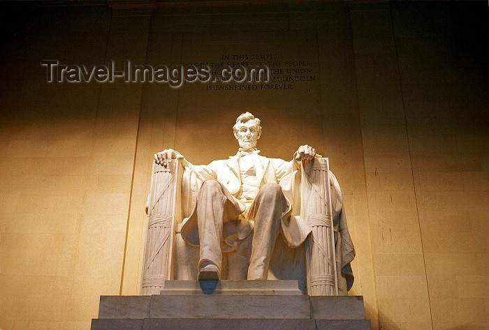 usa433: Washington D.C.: Lincoln memorial - the president's statue - sculptor Daniel Chester French - photo by G.Friedman - (c) Travel-Images.com - Stock Photography agency - Image Bank