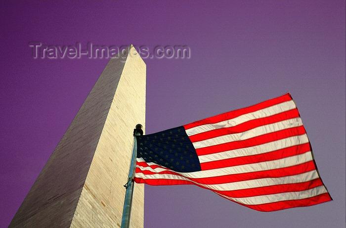 usa434: Washington D.C., USA: Washington monument - flag and purple sky - patriotic image - photo by G.Friedman - (c) Travel-Images.com - Stock Photography agency - Image Bank