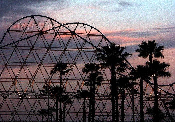 usa465: Long Beach (California): sunset at the roller coaster - The Pike - Los Angeles County - Photo by G.Friedman - (c) Travel-Images.com - Stock Photography agency - Image Bank