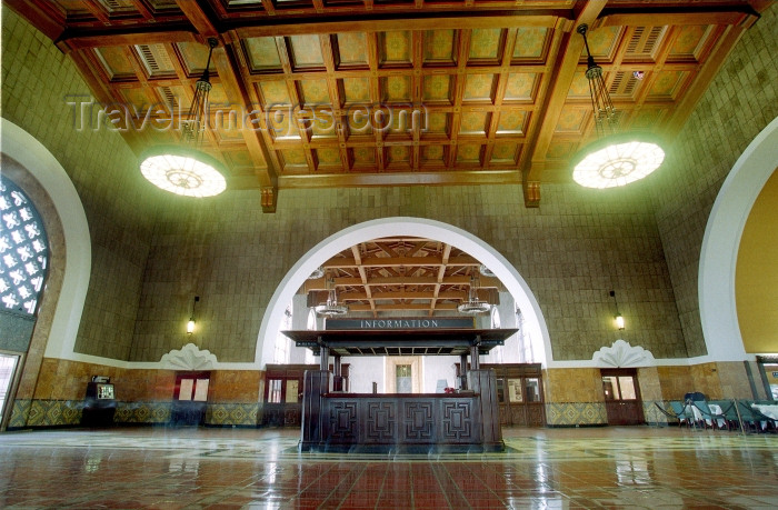 usa474: Los Angeles / LAX (California): Union Station - interior - information booth - Photo by G.Friedman - (c) Travel-Images.com - Stock Photography agency - Image Bank