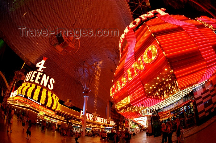 usa482: Las Vegas (Nevada): 4 Queens casino and hotel - nocturnal - neons - photo by G.Friedman - (c) Travel-Images.com - Stock Photography agency - Image Bank
