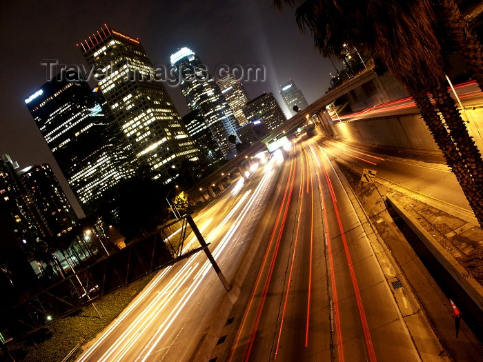 usa487: Los Angeles (California): downtown LA Freeway at night - Photo by G.Friedman - (c) Travel-Images.com - Stock Photography agency - Image Bank