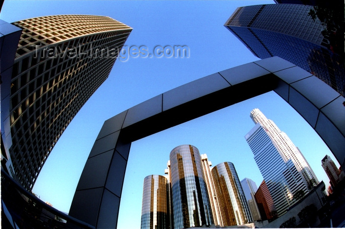 usa489: Los Angeles (California): downtown LA - fisheye - portico - Photo by G.Friedman - (c) Travel-Images.com - Stock Photography agency - Image Bank
