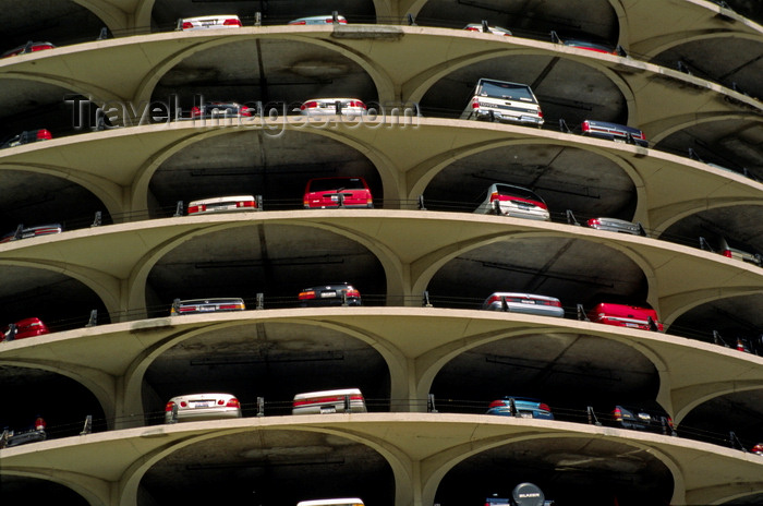 usa531: Chicago, Illinois, USA: parking floors at Marina City with, designed by Bertrand Goldberg in 1964 - corn cob towers - Wacker Drive - photo by C.Lovell - (c) Travel-Images.com - Stock Photography agency - Image Bank