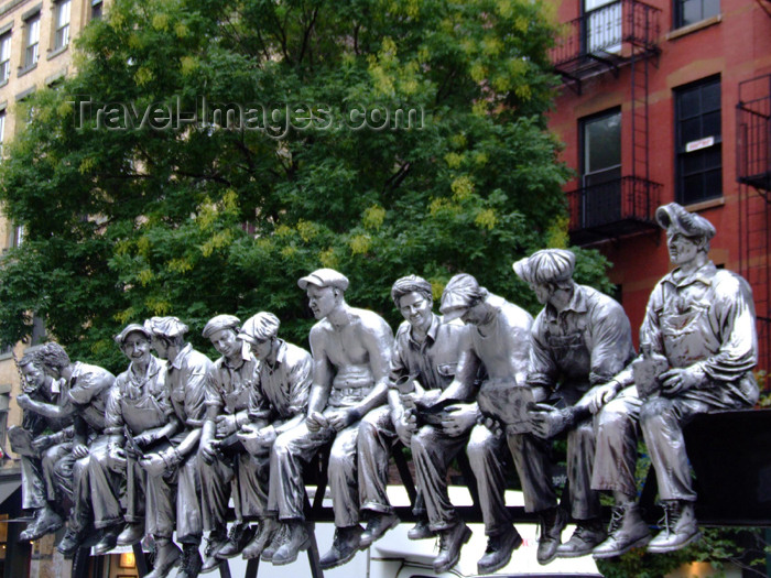 usa620: Manhattan (New York City): statues - the Rockefeller guys having lunch - photo by M.Bergsma - (c) Travel-Images.com - Stock Photography agency - Image Bank