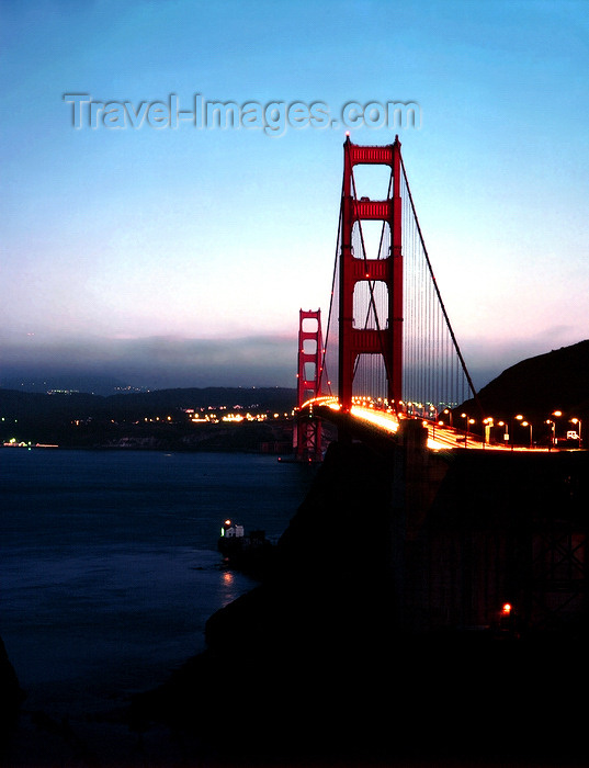usa831: San Francisco (California): night view of Golden Gate bridge  - photo by J.Fekete - (c) Travel-Images.com - Stock Photography agency - Image Bank