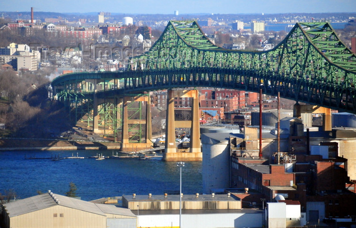 usa889: Boston, Massachusetts, USA: Charlestown - Tobin Memorial Bridge - Mystic River Bridge - cantilever truss bridge that spans the Mystic River from Charlestown to Chelsea - U.S. Route 1 - photo by M.Torres - (c) Travel-Images.com - Stock Photography agency - Image Bank