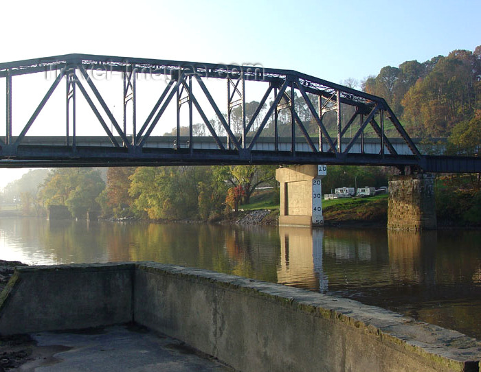 usa915: USA - Parkersburg (West Virginia): Little Kanawha river - truss bridge (photo by G.Frysinger) - (c) Travel-Images.com - Stock Photography agency - Image Bank