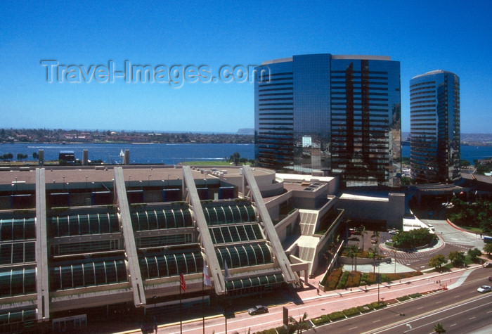 usa960: San Diego (California): downtown with Convention Center and hotel Marriott - photo by J.Fekete - (c) Travel-Images.com - Stock Photography agency - Image Bank