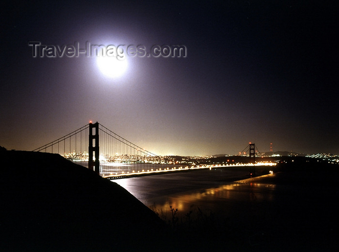 usa965: USA - San Francisco (California): Golden Gate bridge in the moonlight - photo by J.Fekete - (c) Travel-Images.com - Stock Photography agency - Image Bank