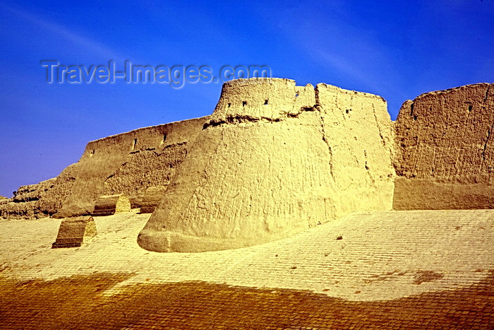 uzbekistan62: City Walls, Khiva, Uzbekistan - photo by A.Beaton  - (c) Travel-Images.com - Stock Photography agency - Image Bank