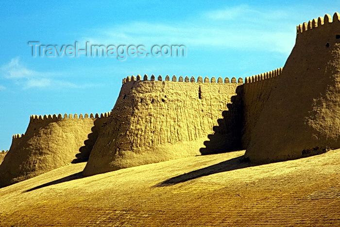 uzbekistan63: City Walls - crenellated walls encircle the inner town, the Itchan Kala, Khiva, Uzbekistan - photo by A.Beaton - (c) Travel-Images.com - Stock Photography agency - Image Bank