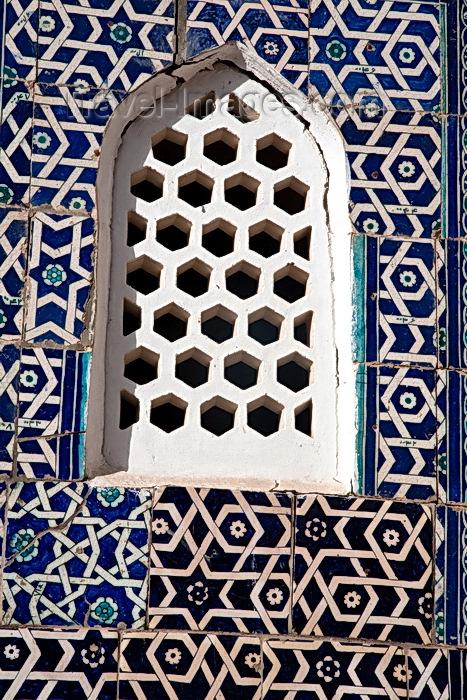 uzbekistan73: Sheltered Windows, Khiva, Uzbekistan - photo by A.Beaton  - (c) Travel-Images.com - Stock Photography agency - Image Bank