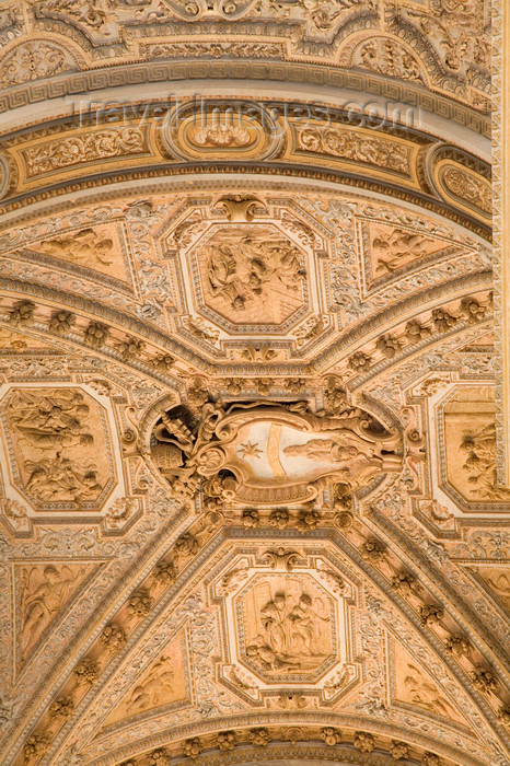 vatican51: Vatican City, Rome - Saint Peters Basilica - ceiling of the nave - photo by I.Middleton - (c) Travel-Images.com - Stock Photography agency - Image Bank