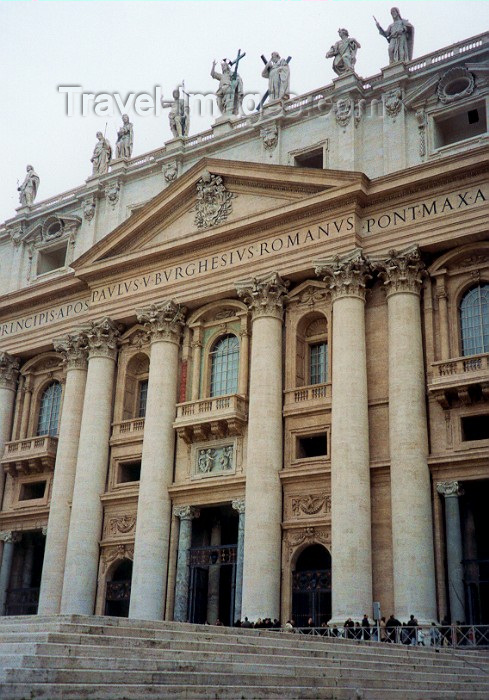 vatican9: Santa Sede - Vaticano - Roma - Entrance to St Peter's Basilica (photo by Miguel Torres) - (c) Travel-Images.com - Stock Photography agency - Image Bank