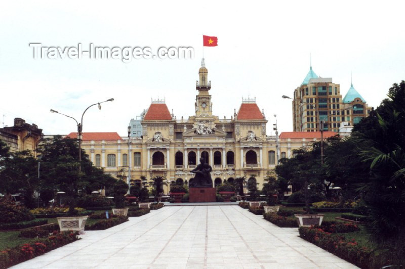 vietnam48: Vietnam - Ho Chi Minh city / Saigon: Gardens of the Opera house - colonial - photo by N.Cabana - (c) Travel-Images.com - Stock Photography agency - Image Bank