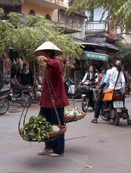 vietnam53: Hanoi / Ha Noi - Vietnam: carrying baskets - photo by Robert Ziff - (c) Travel-Images.com - Stock Photography agency - Image Bank