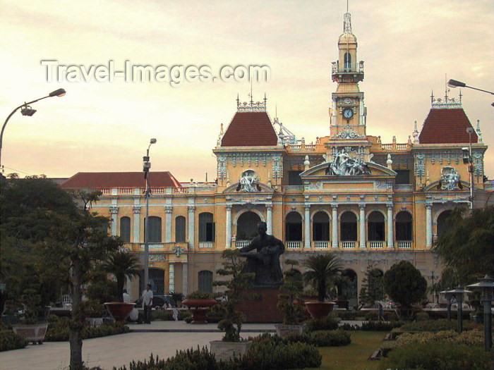 vietnam63: Vietnam - Ho Chi Minh city / Saigon: Opera House - photo by R.Ziff - (c) Travel-Images.com - Stock Photography agency - Image Bank