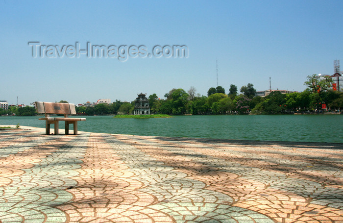 vietnam83: Hanoi - Vietnam - Hoan Kiem Lake, meaning 'Lake of the Returned Sword', also known as Ho Guom, 'Sword Lake' - photo by Tran Thai - (c) Travel-Images.com - Stock Photography agency - Image Bank
