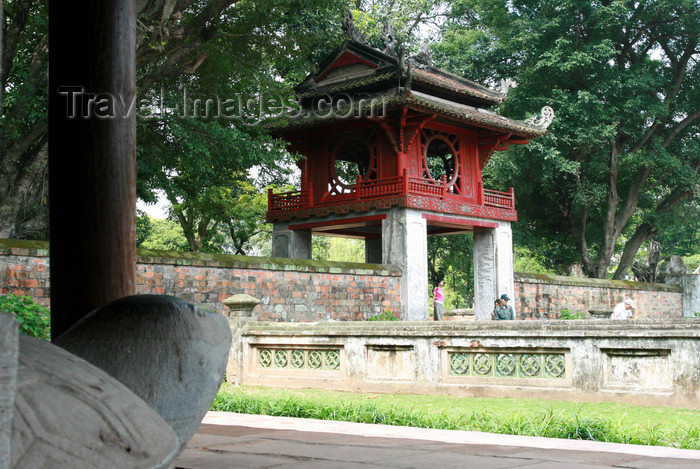 vietnam85: Hanoi - Vietnam - Temple of Literature or Van Mieu - called 'pagode des Corbeaux' by the French - photo by Tran Thai - (c) Travel-Images.com - Stock Photography agency - Image Bank