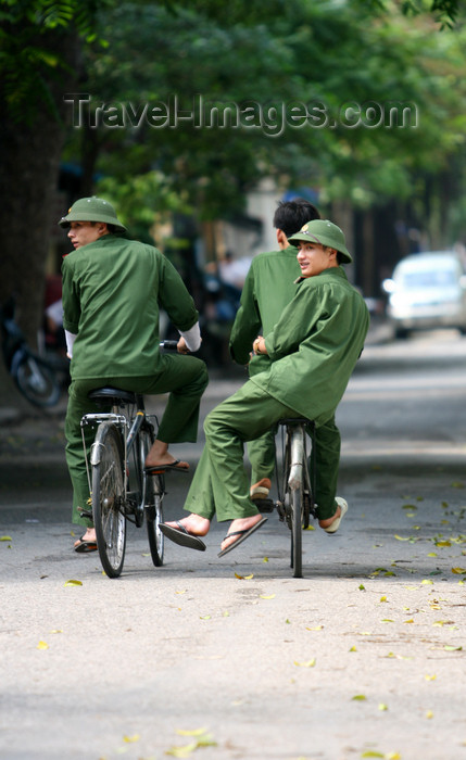vietnam86: Hanoi - Vietnam - uniform of the Vietnamese Army - soldiers on bikes - photo by Tran Thai - (c) Travel-Images.com - Stock Photography agency - Image Bank